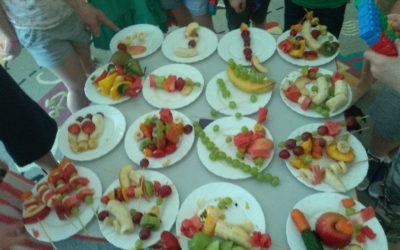 Dbamy o zdrowie. Jemy smacznie i kolorowo. Poznajemy zasady zdrowego odżywiania.